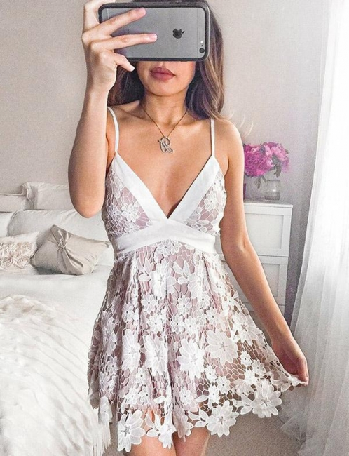 Sexy Spaghetti Straps Deep V Neck A Line Lace Homecoming Dresses