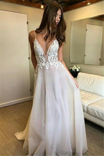 Chic Applique Spaghetti-Strap Prom Dresses Backless Tulle Sleeveless Sexy Evening Dresses