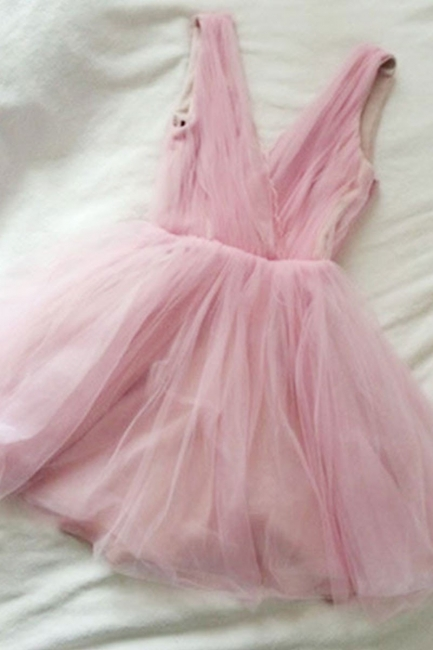 Simple Tulle Short Cute Pink V-neck Homecoming Dress