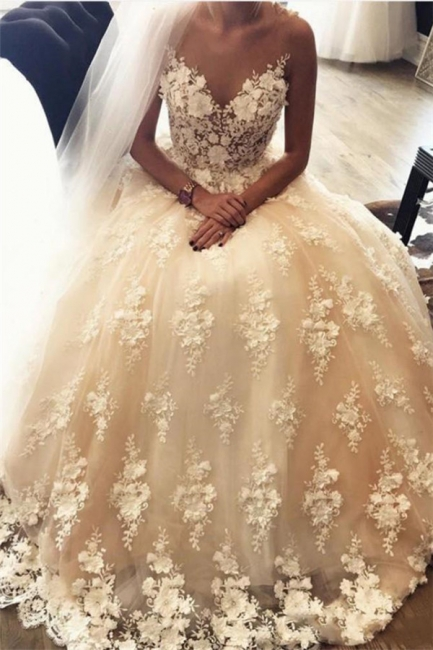 3D-Floral Sweep Train Exquisite Appliques A-Line Lace Sweetheart Wedding Dresses