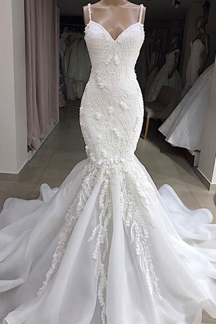 Amazing Spaghetti Strap Sweetheart Applique Lace Fit And Flare Mermaid Wedding Dress