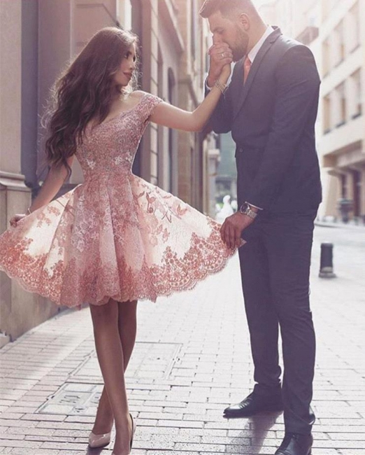 Glamorous Mini Appliques Tulle A-line Short-Sleeves Homecoming Dress