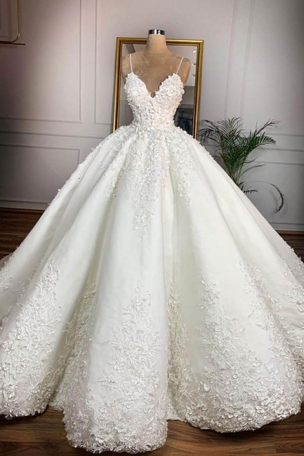 Sexy Spaghetti Strap V Neck Applique Ball Gown Wedding Dress | Puffy Lace Bridal Gown