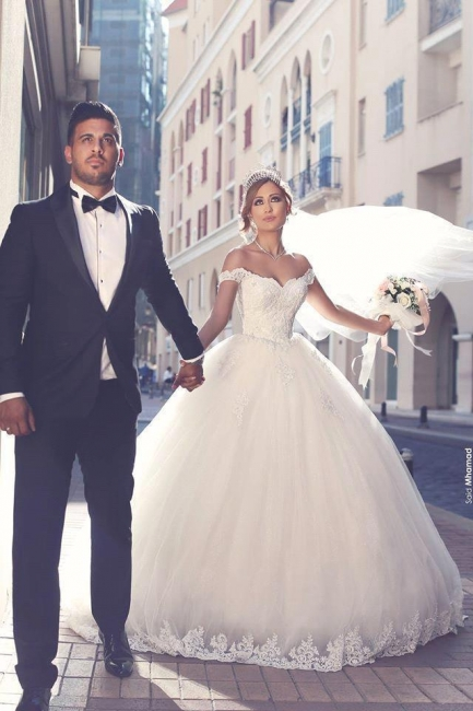Amazing Lace Tulle Off-the-shoulder Appliques Puffy Wedding Dresses