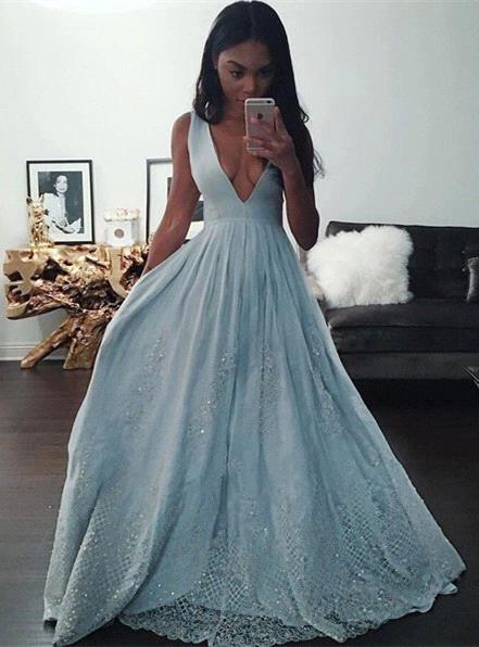 Pretty Baby-Blue V-neck Prom Dress 2018 Sleeveless Lace Evening Gowns with Beading