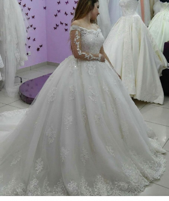 Ball-Gown Tulle Off-The-Shoulder Lace-Applique Long-Sleeves Pearls Wedding Dresses