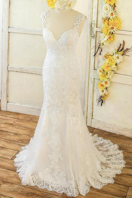 Sweetheart Straps Lace Appliques Beach Fit and Flare Wedding Dresses