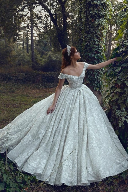 Luxurious Off The Shoulder Sweetheart Backless Floral Lace Pleated Ball Gown Wedding Dresses
