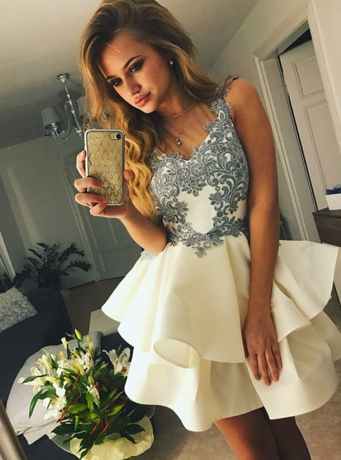 Chic Sheer Neck A-Line Homecoming Dresses | Sleeveless Lace Applique  Short Cockrail Dresses
