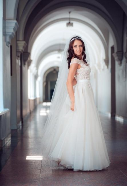 Long Elegant Lace Cap-Sleeve Tulle Split Wedding Dresses