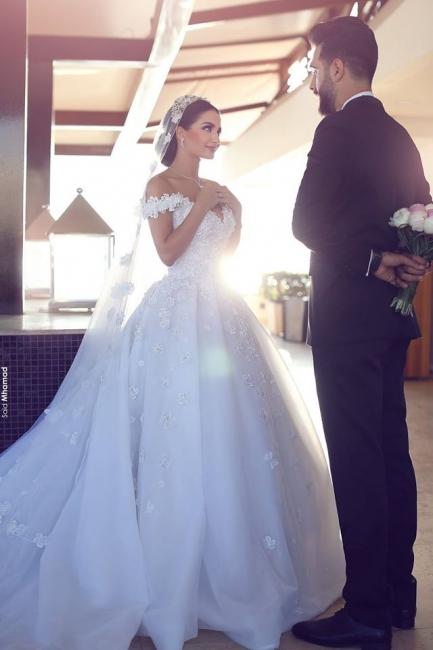 Elegant Off-the-Shoulder Wedding Dresses Open Back Appliques Bridal Gowns