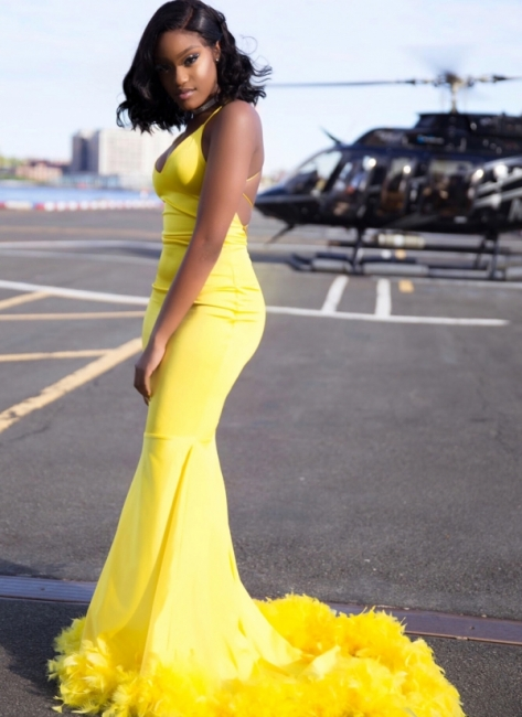 Chic Yellow Mermaid Prom Dresses | V-neck Feathers Train Party Dress