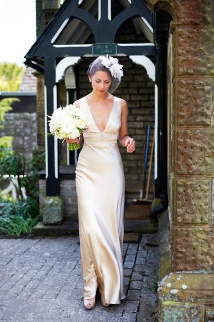 Summer Sleeveless V-Neck Wedding Dresses Floor Length Empire Brdial Gowns