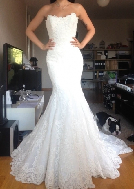 Simple White Appliques Strapless Bridal Gowns Tulle Buttons Wedding Dress