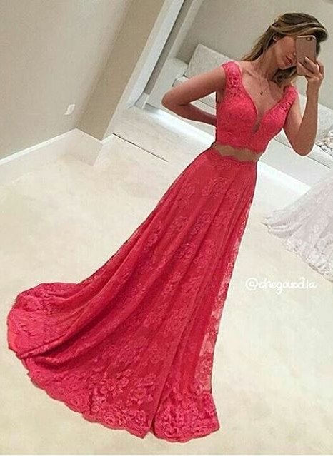 Two-Piece V-Neck Long Lace Mermaid Red Sleeveless Prom Dresses