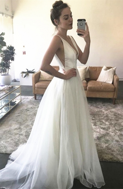 A-line White Sweep-Train Straps V-neck Newest Sleeveless Wedding Dress