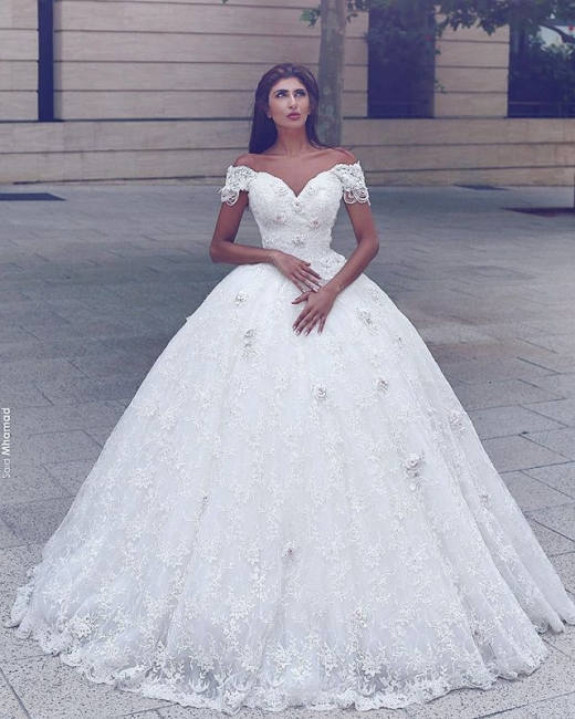 Elegant Lace Off-the-Shoulder Wedding Ball Gowns 2020 Appliques Wedding Dresses with Beadings