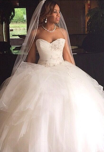 New Arrival Sweetheart Tulle Appliques Ball Wedding Dresses