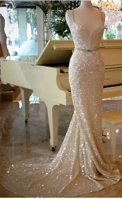 Sequined Fit and Flare Prom Dresses Spaghetti Straps Court Train Evening Gowns