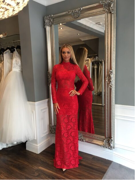 Long-Sleeve Sweep-Train Sexy Red High-Neck Mermaid Lace Prom Dress