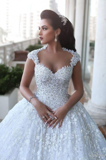 Ball Gown Wedding Dresses 3D-Floral Appliques Beaded Luxury Bridal Gowns