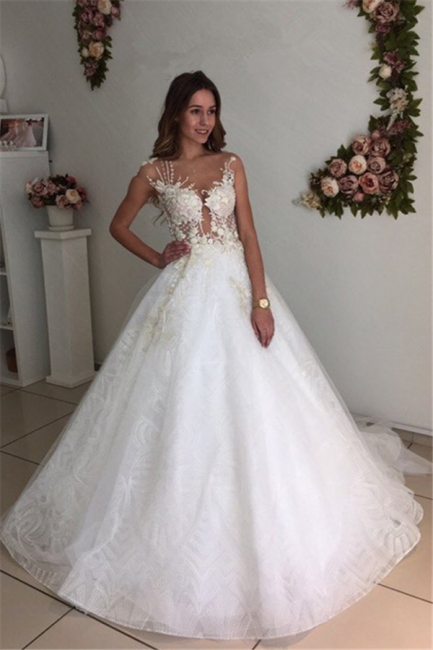 Beach White A-Line Lace Appliques Court-Train Tulle Wedding Dresses
