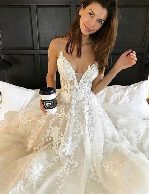 Elegant Spaghetti Tulle Lace-Applique Straps A-line Wedding Dresses