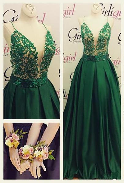 Green Long Evening Gowns Spaghettis Straps Lace Top Elegant Prom Dresses