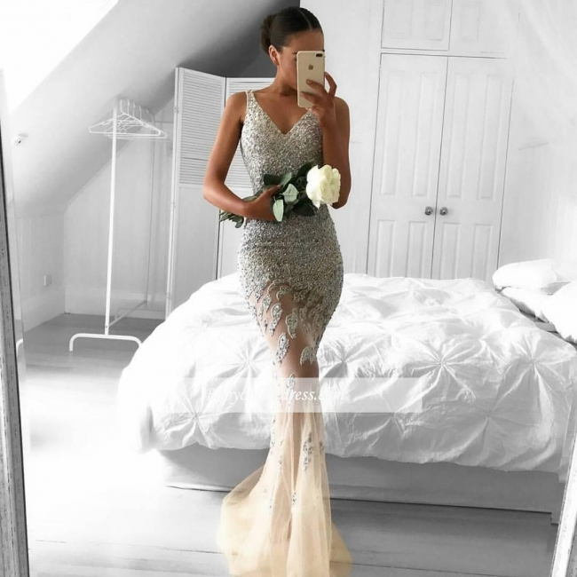 Gorgeous Sleeveless Lace-Appliques Beads Straps Tulle Mermaid Evening Gowns