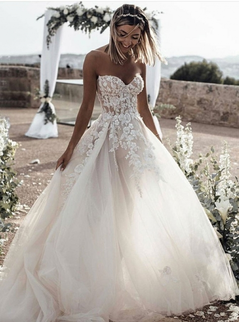 Sweetheart Beach Wedding Dresses | Strapless Lace Bridal Gowns for Barn Wedding