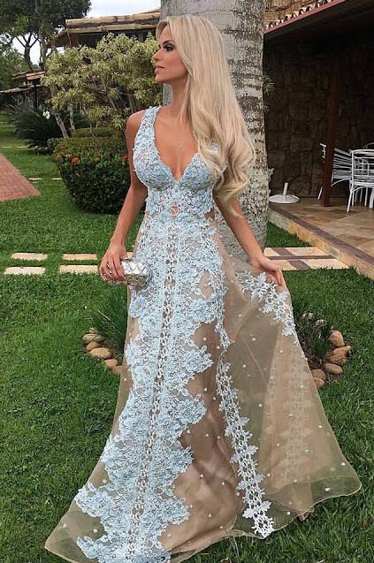 Floor-Length Tulle Amazing Lace Long V-neck Prom Dress