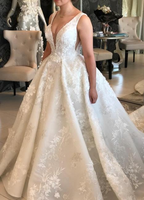 V-neck Lace Wedding Dresses | Sleeveless Puffy Bridal Gowns