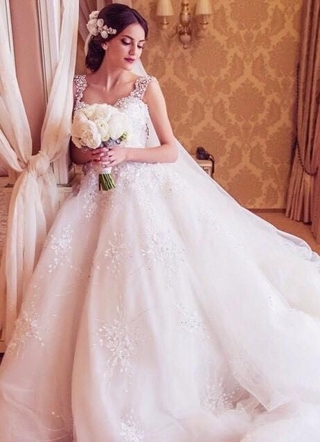 Straps Sparkly Crystals Beaded Puffy Luxury Ball Gown Wedding Dresses