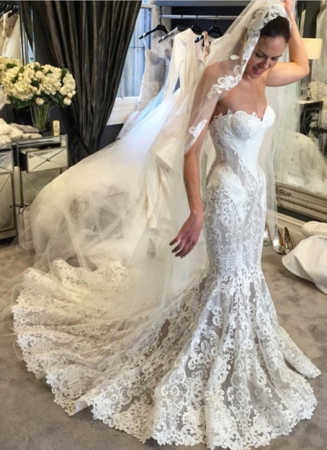 Elegant Lace Fit and Flare Wedding Dresses | Sweetheart Neck Sleeveless Bridal Gowns