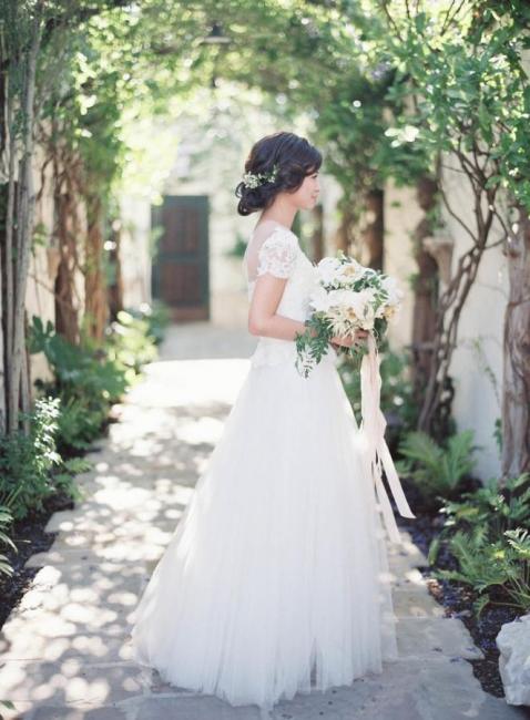 Vintage Tulle Lace Floor Length Short Sleeve Princess Wedding Dress with Zipper
