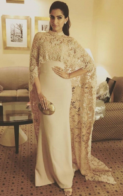 Arabic Mermaid Long Evening Gowns with High Neck Sheer Lace Cape Party Dresses