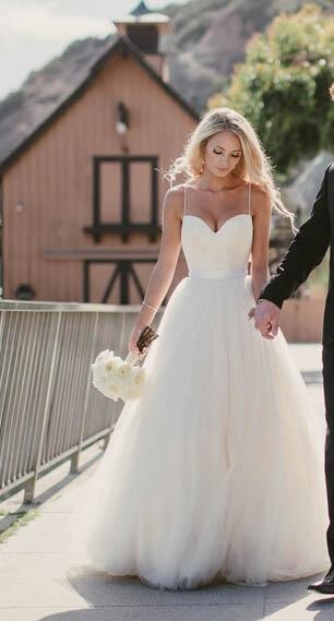 Gorgeous Floor Length Sweetheart Spaghetti Straps Tulle Beach Wedding Dresses