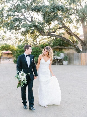 Gorgeous Sleeveless Long Lace Spaghetti Strap Backless Wedding Dress_4