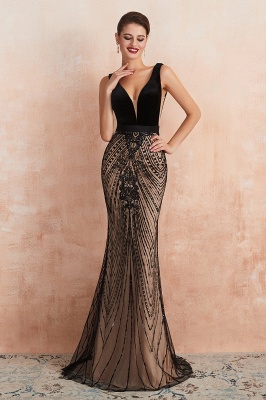 Elegant Sleeveless V-neck Fit and Flare Black Prom Dresses_4