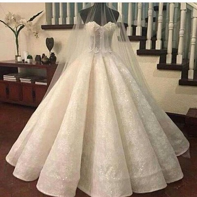 Gorgeous Lace Ruffles Sweetheart-Neck Ball-Gown Wedding Dresses_3