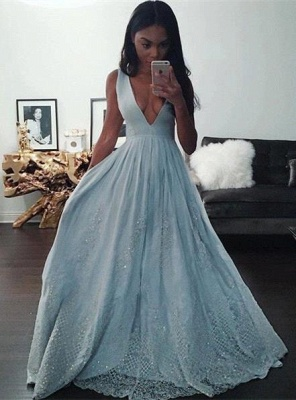 Pretty Baby-Blue V-neck Prom Dress 2018 Sleeveless Lace Evening Gowns with Beading_2