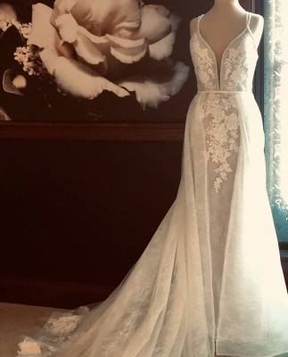 Elegant Spaghetti Strap Punging V Neckline Lace Sheath Wedding Dress With  Detachable Overskirt_2