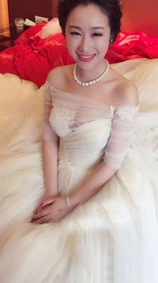 A-line Wedding Dresses Off the Shoulder Half Long Sleeves Tiers Tulle with 1 meter Train_3