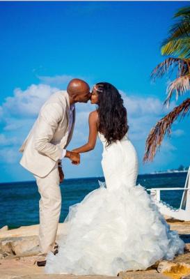 Hot Organza Mermaid Beach Wedding Dresses Backless Sweetheart Pearls Bridal Gowns_5