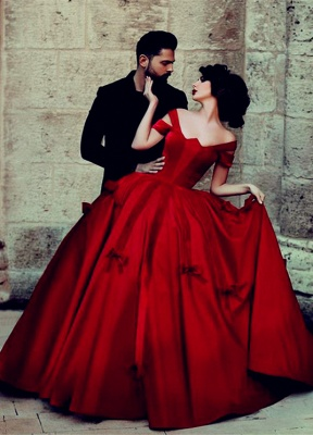 2020 Ball Gown Wedding Dresses Off-Shoulder Burgundy Red with Bowknots Bridal Gowns_1