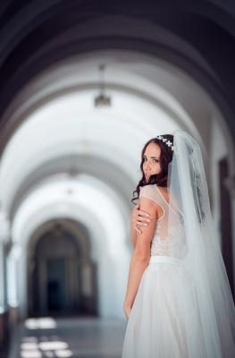 Long Elegant Lace Cap-Sleeve Tulle Split Wedding Dresses_4