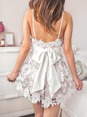 Sexy Deep V-Neck A-Line Homecoming Dresses   Open Back Lace Mini Cocktail Dresses With Bows_3