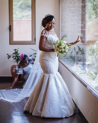 Graceful Scoop Jewel Applique Floor Length Fit And Flare Mermaid Wedding Dresses_3