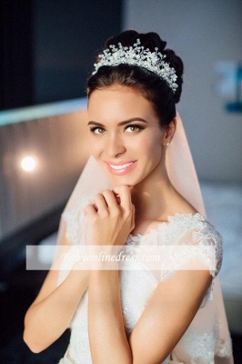 Short-Sleeves Ball-Gown Court-train Modern Lace Scoop Gorgeous Wedding Dresses_1
