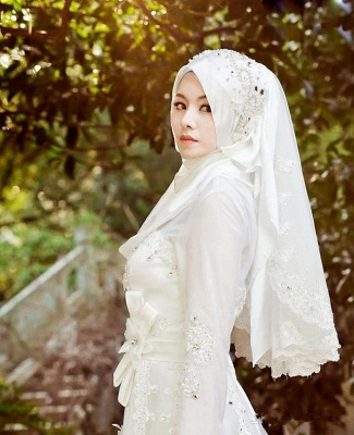 Arabic Delicate White Bow A-line Wedding Dress with Beadings_4
